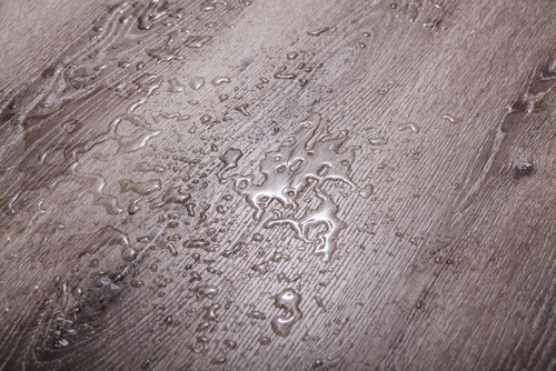 pros-and-cons-of-100%-waterproof-flooring